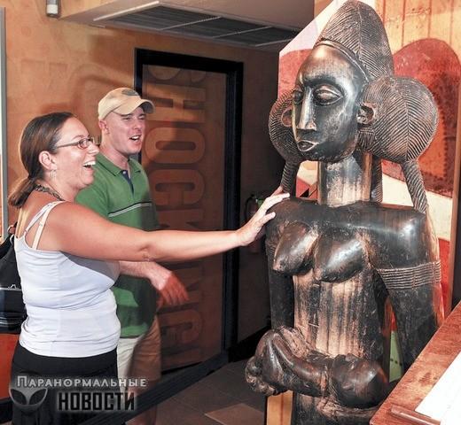 Если коснуться этой африканской статуи, то обязательно забеременеешь. Тысячи женщин это подтверждают!