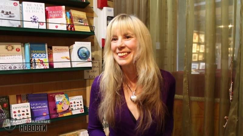 Голос покойной мамы спас жизнь британской писательнице