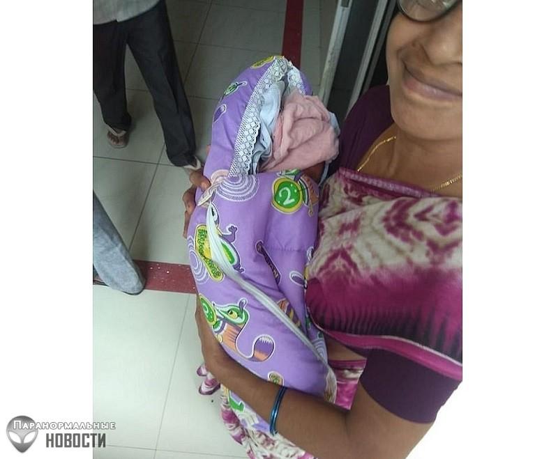 74-летняя индианка родила близнецов, став самой возрастной мамой в мире