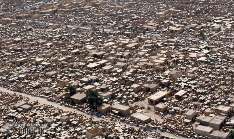 Крупнейшее кладбище в мире заселено агрессивными тенями и упырями