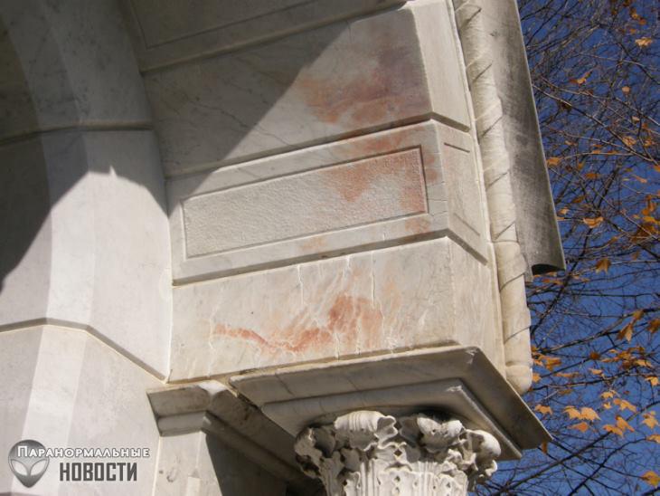 Тайна кровавых пятен на мраморном мавзолее маленькой Нины