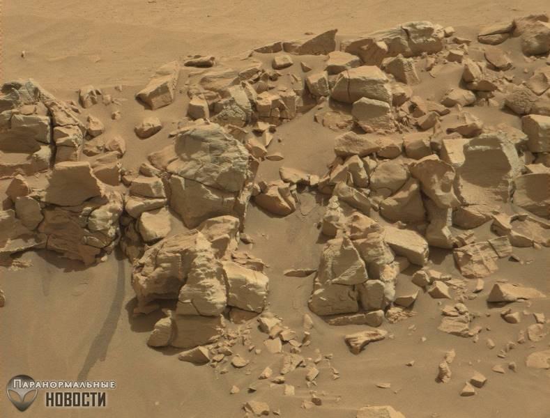 На фото Марса нашли жидкую воду, но НАСА об этом молчит