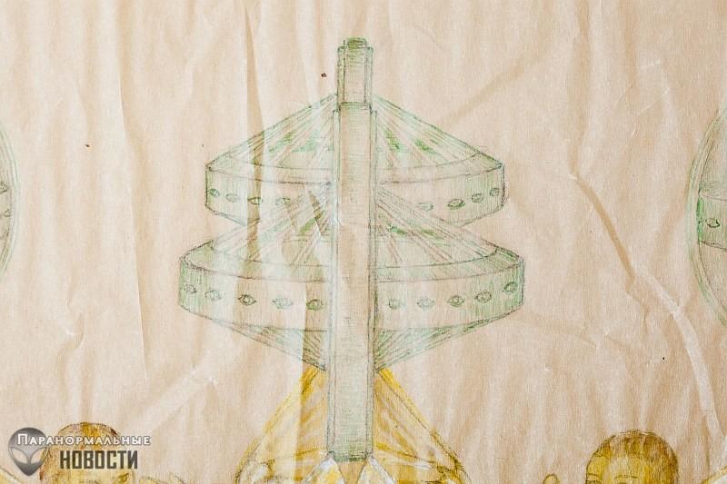 Схема машины времени, рисунки ангелов и другие странные вещи из ящика, найденного в мусорном баке