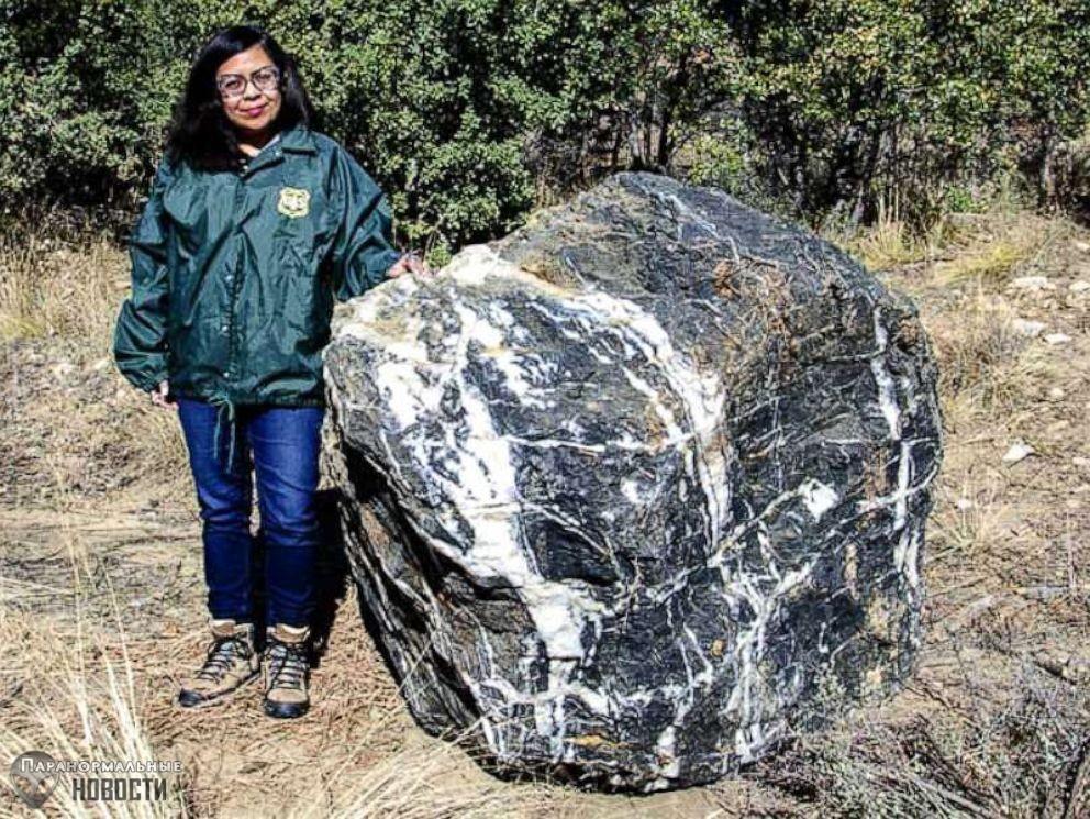 Громадный камень таинственным образом исчез из заповедника, а потом вернулся на место