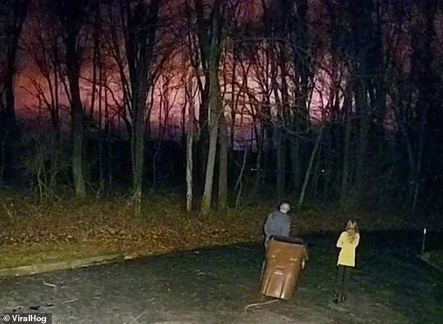 Странные разноцветные вспышки в ночном небе Огайо до сих пор не получили логического объяснения