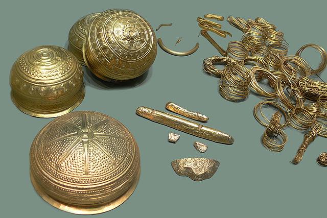 Загадка золотых конусов бронзового века, найденных в Европе