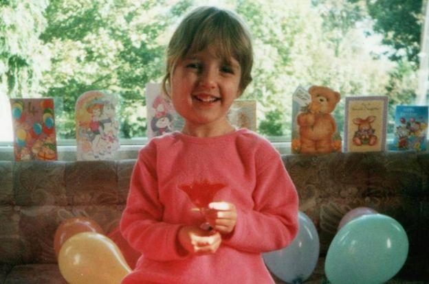 Эта девушка с трех лет слышит странные голоса в голове