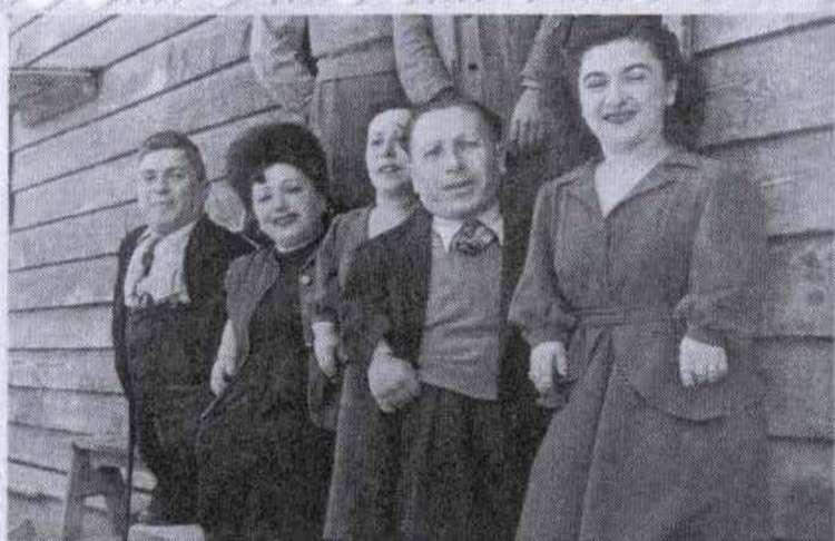 Семь гномов из Освенцима: Печальная судьба семьи Овиц
