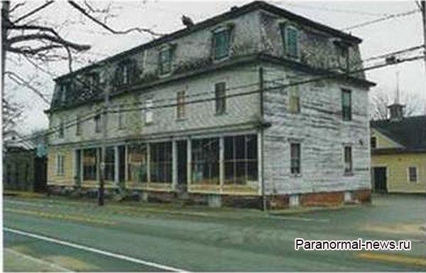 Заброшенный похоронный дом в Род-Айленде никто не хочет арендовать
