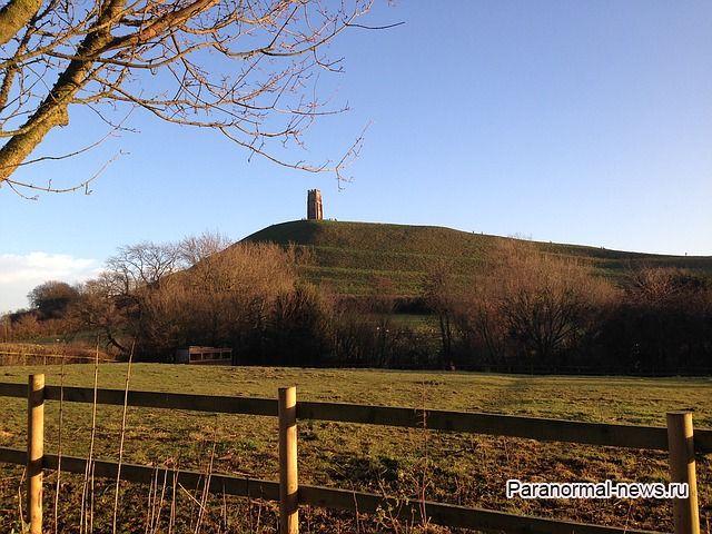 Король Артур был древним гигантом? Загадка 3-метрового скелета из Гластонбери