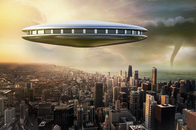 Профессор Хаим Эшед: «Пришельцы уже здесь и заключили договор с правительством США»