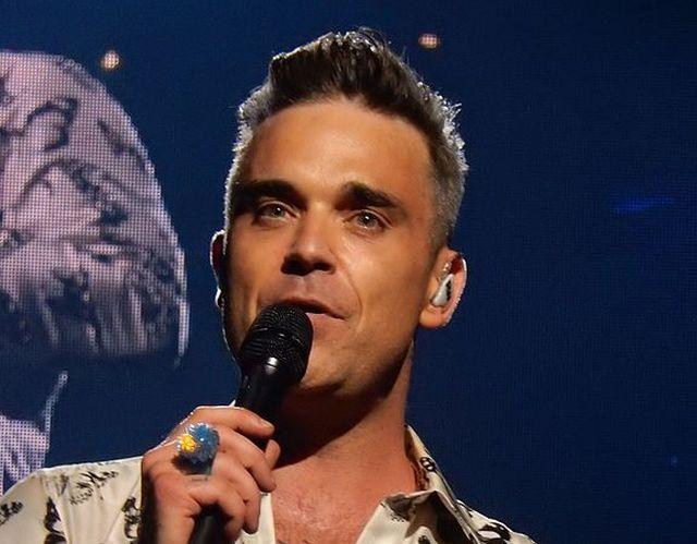 Мужчина рассказал, что его похищали пришельцы и в плену он увидел певца Робби Уильямса