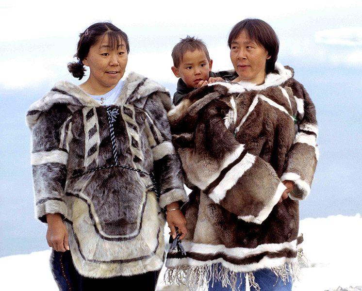 Инуиты Аляски регулярно видят огромного йети, который охотится на оленей