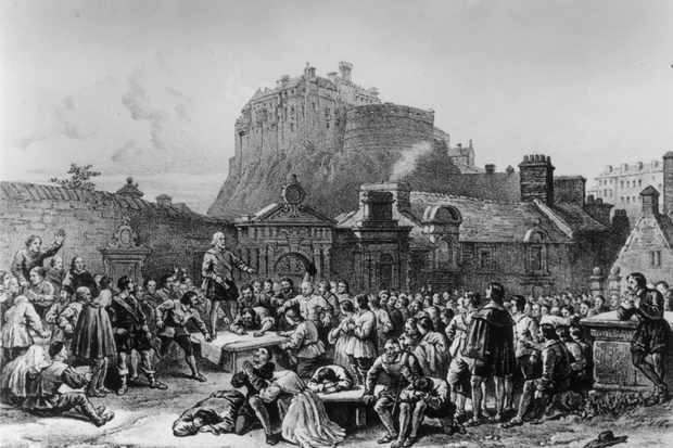Пленники темных сил: История из Шотландии 17 века, где сожгли людей, живущих в доме с полтергейстом