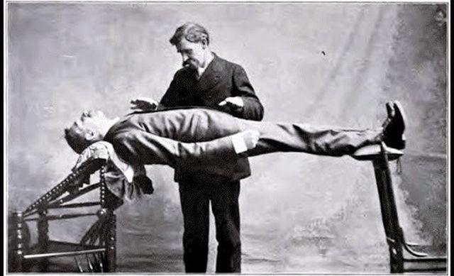 Можно ли умереть из-за гипноза? Да, и такой случай уже происходил