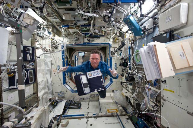 На борту международной космической станции обнаружили неизвестные бактерии