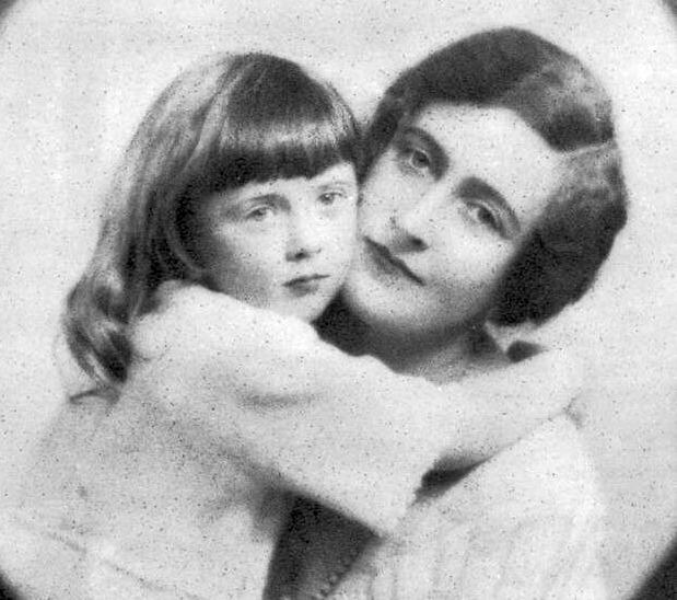 Однажды писательница Агата Кристи исчезла на 11 дней, а когда объявилась, то не помнила, кто она