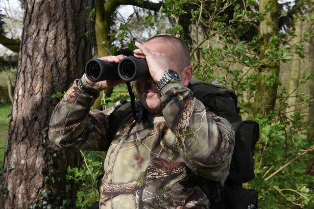 Увидев страшного оборотня, британец уже 30 лет пытается найти его
