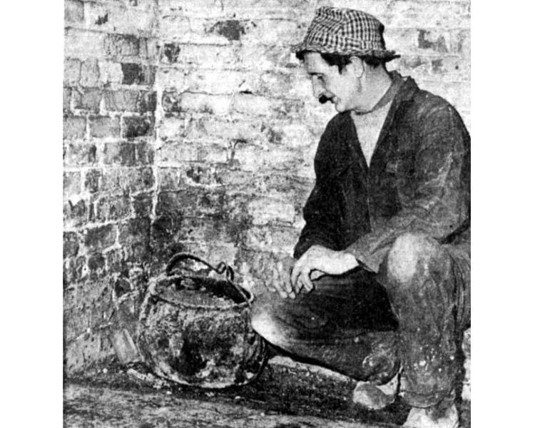 Проклятый котелок заперли в подвале на десятки лет после того, как он убил трех человек