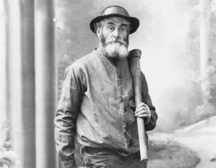 Французский шахтер под влиянием голосов начал рисовать необычные сюрреалистичные картины