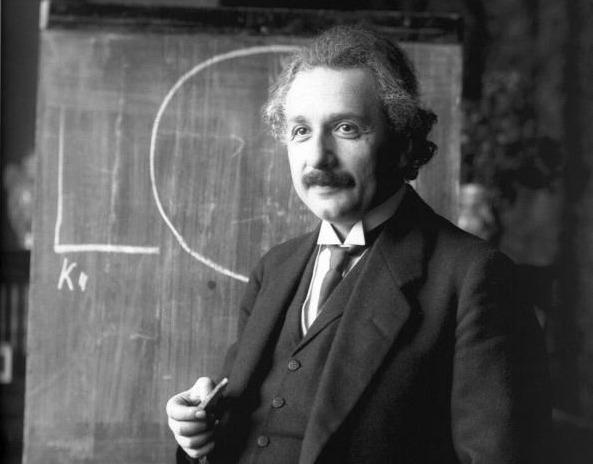 Альберту Эйнштейну показывали тела пришельцев из Розуэлла