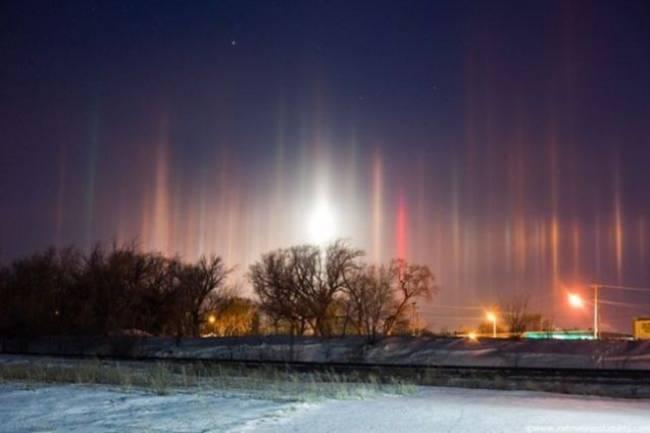 Странные световые явления в Стокгольме, Небраске, Новгороде