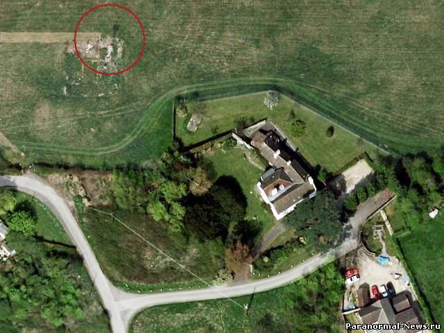 """Британка обнаружила """"призрак"""" на руинах с помощью карт Google"""