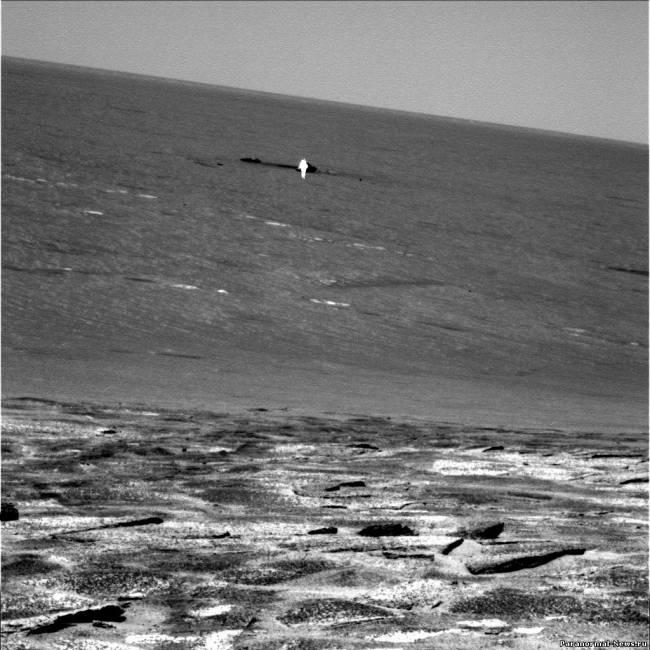 Сияющий человекообразный объект на марсианском фото