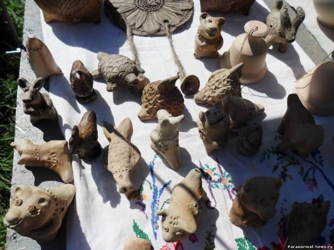 Изготовитель глиняных талисманов рассказывает об их силе