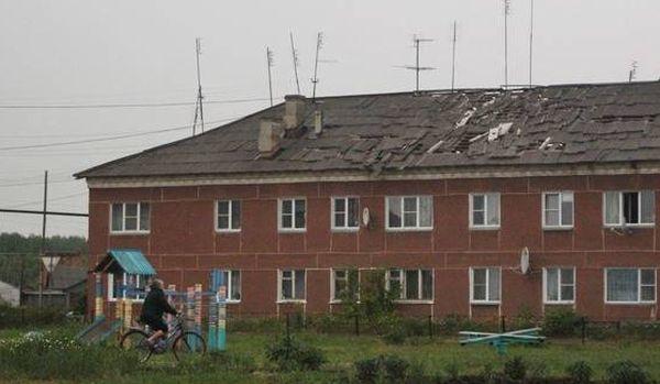 Шаровая молния разгромила дом в селе Еманжелинка (7 фото)