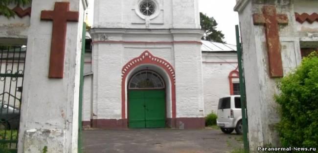 Трех язычников молния поразила у православного храма