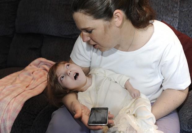8-летняя девочка с телом младенца таит в себе секрет вечной молодости (14 фото)