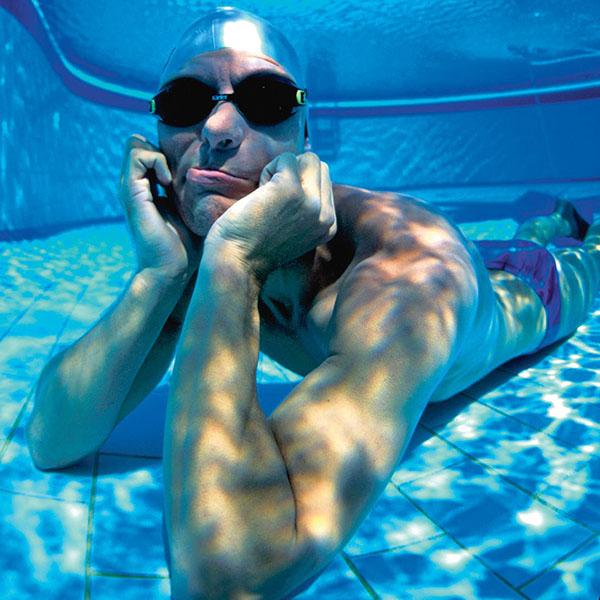 Датчанин Стиг Северинсен способен задерживать дыхание под водой на 22 минуты
