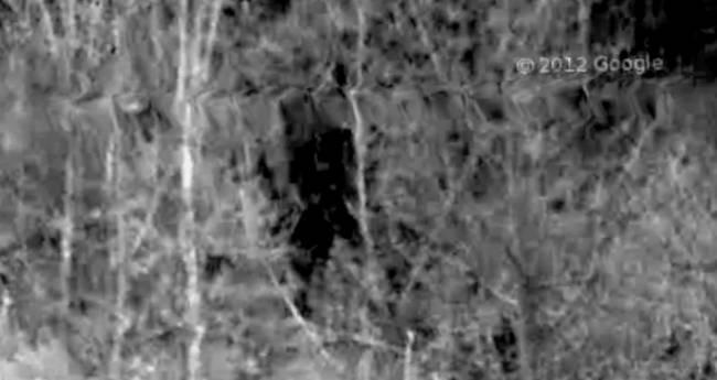 Google Earth засек снежного человека (2 фото +Видео)