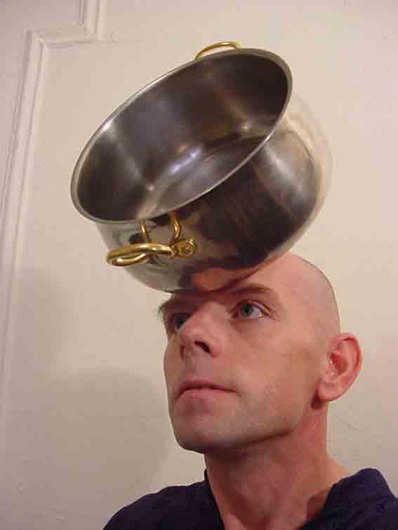 Человек-Магнит уверяет, что он не шарлатан (7 фото + Видео)