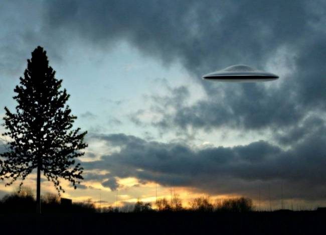 В Курске найден человек, похищенный инопланетянами.Инопланетяне предсказали жителям села развал СССР