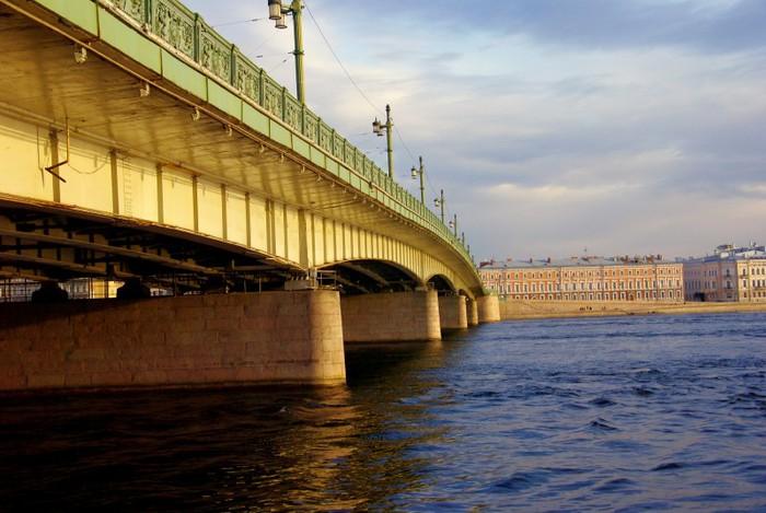 Загадки Литейного моста (5 фото)