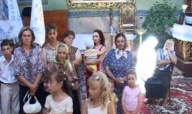 Призрак на видео, заснятом в церкви украинского села