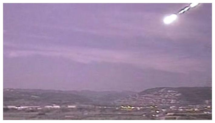 Большие огненные шары летают над Испанией
