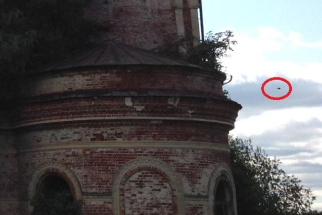В Кировской области рядом с церковью засняли НЛО