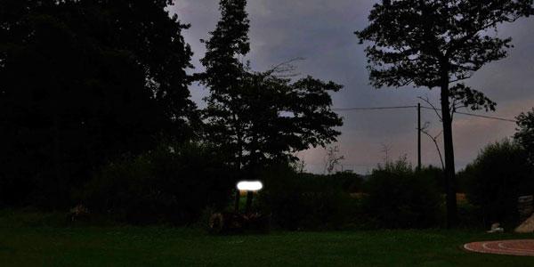 Массовое наблюдение НЛО на окраине польского города (6 фото)