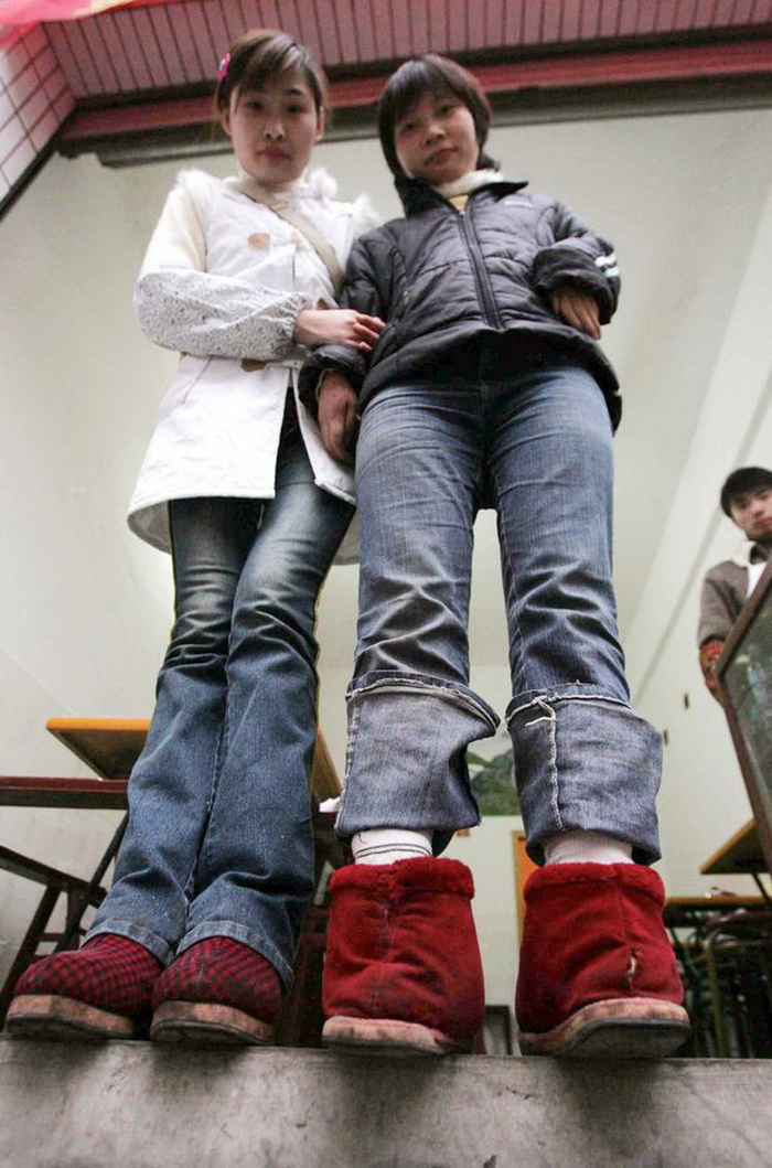 Чулки сетка на женских ступнях 24 фотография