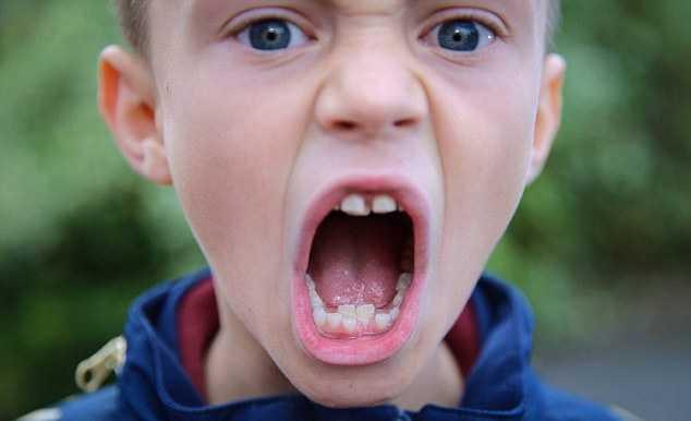 Зубы в два ряда у ребёнка фото