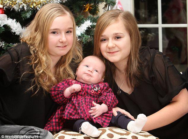У американки родились близнецы с разницей в 11 лет (2 фото)