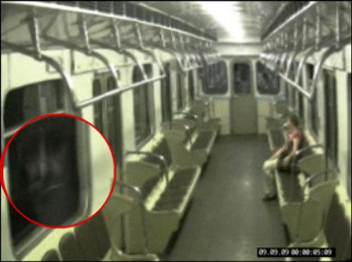 Призрак в метро