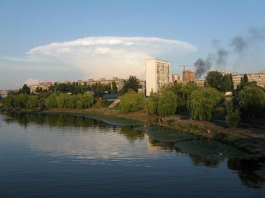 Над Киевом возникло гигантское облако-гриб